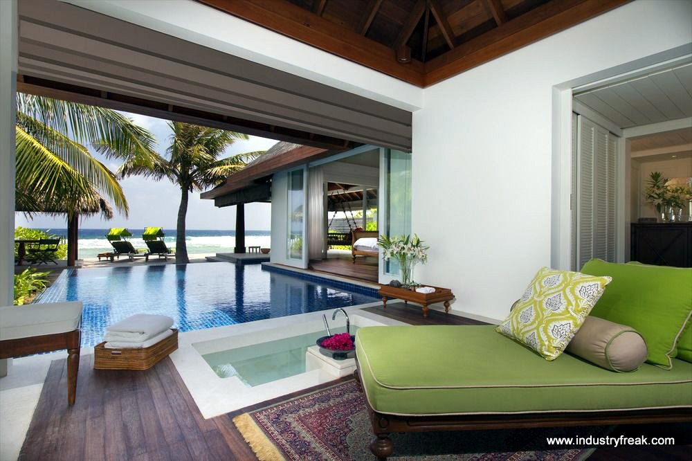 naladhu private island - Most Expensive Hotel