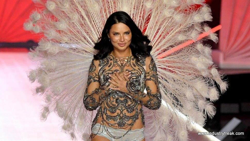 Adriana Lima supermodels