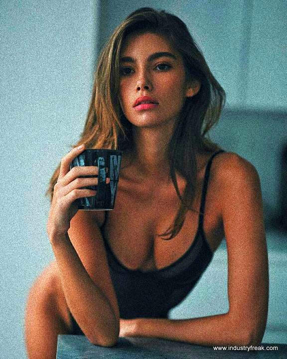 CINDY MELLO- Instagram Models