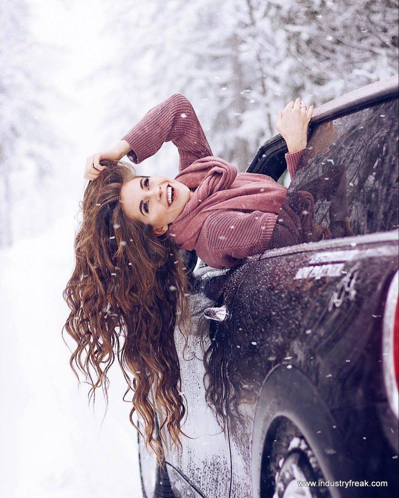 LISA MARIE SCHIFFNER- Instagram Models