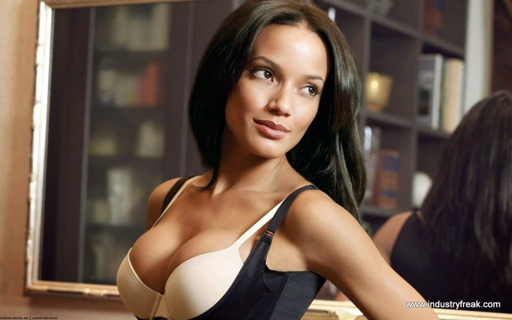 Selita Ebanks Hot and Sexy