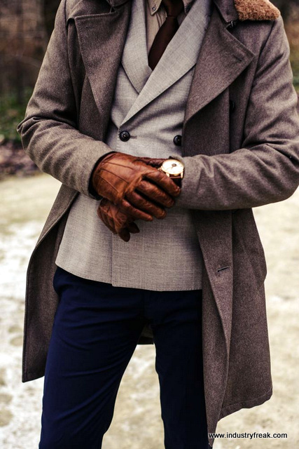 Tip 13 for mens fashion trends - Add gloves to your image